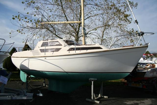 evasion 22 choisir un bateau. Black Bedroom Furniture Sets. Home Design Ideas