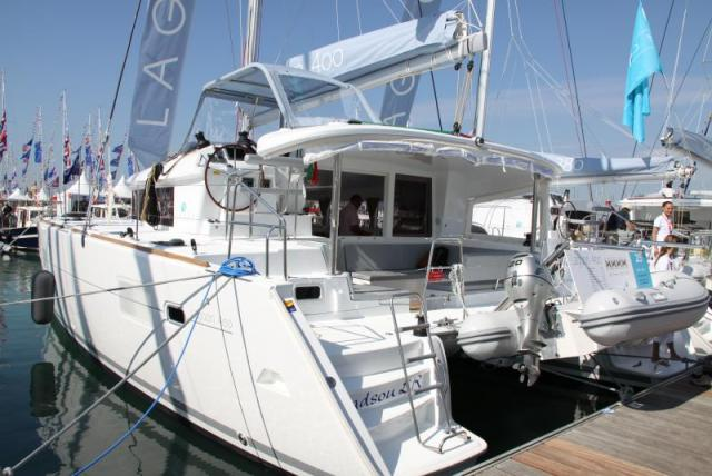 Lagoon 400 - Photo 1