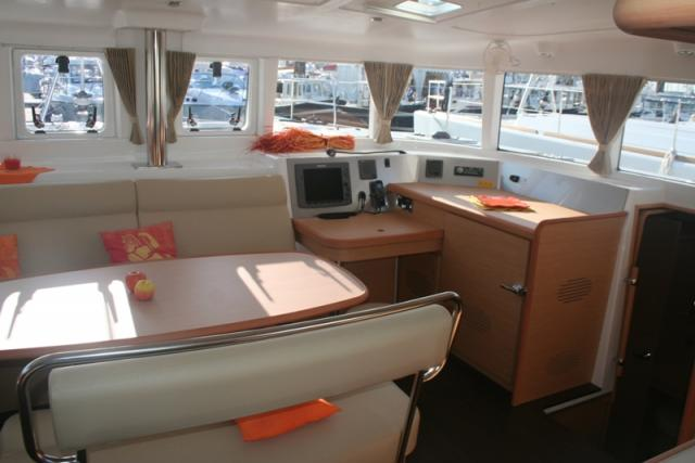 Lagoon 440 - Photo 1